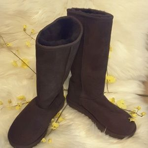 Ugg genuine sterling wool boot tall